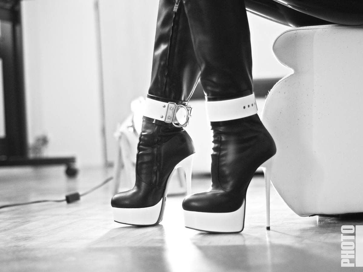 High Heel boots with cuffs